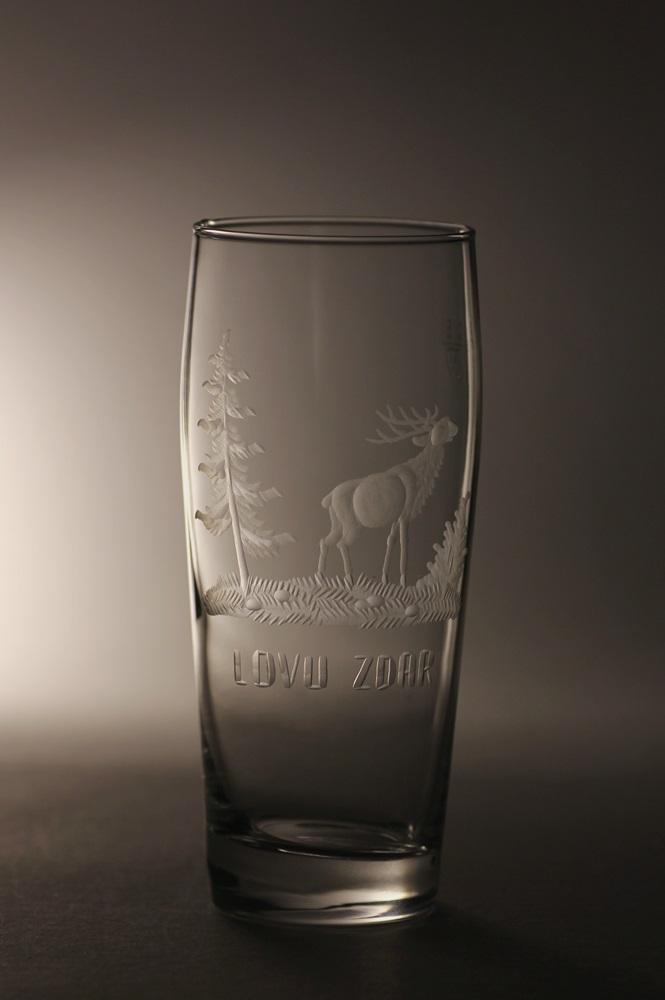 půllitr, myslivost, jelen,ručně rytý (broušený) dárek pro myslivce