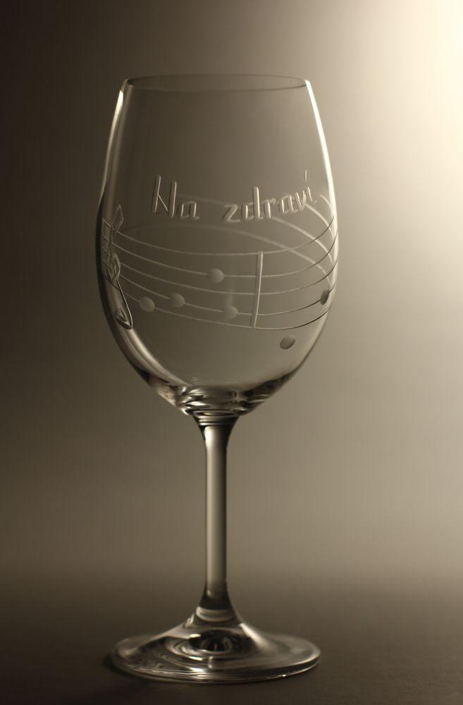 sklenice na víno, na zdraví, noty,dárek k narozeninám, výročí,jubileu