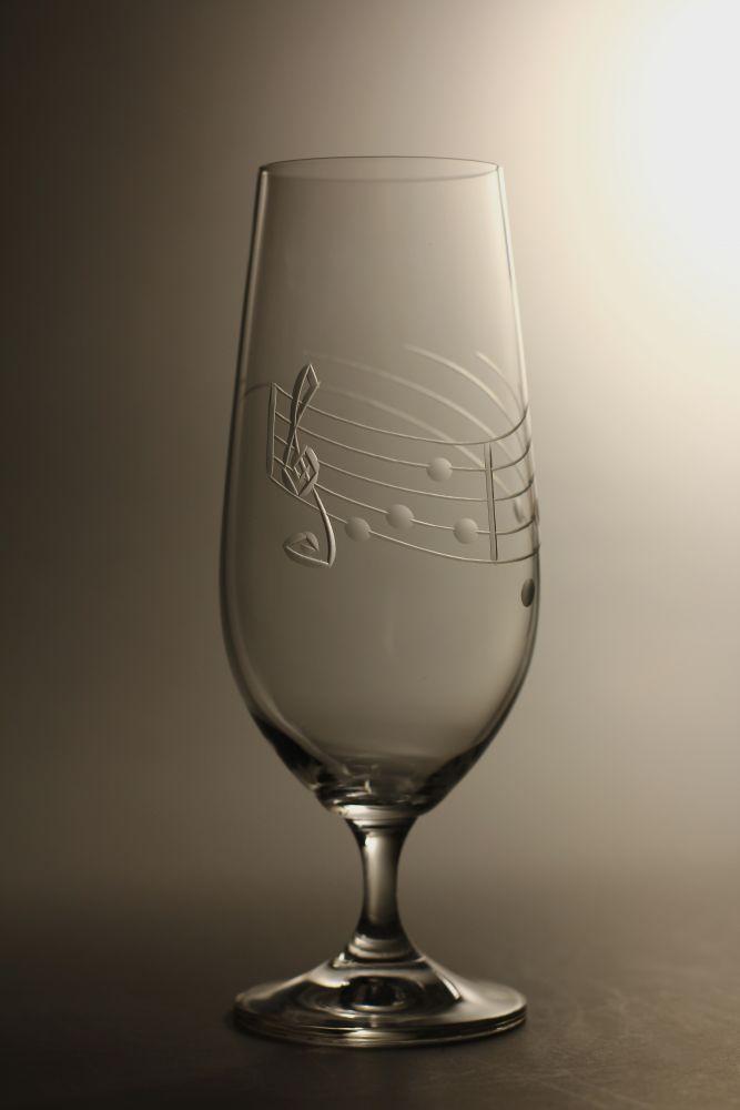 sklenice na pivo 1ks Lara 380,sklenička s rytinou not , dárek pro muzikanty