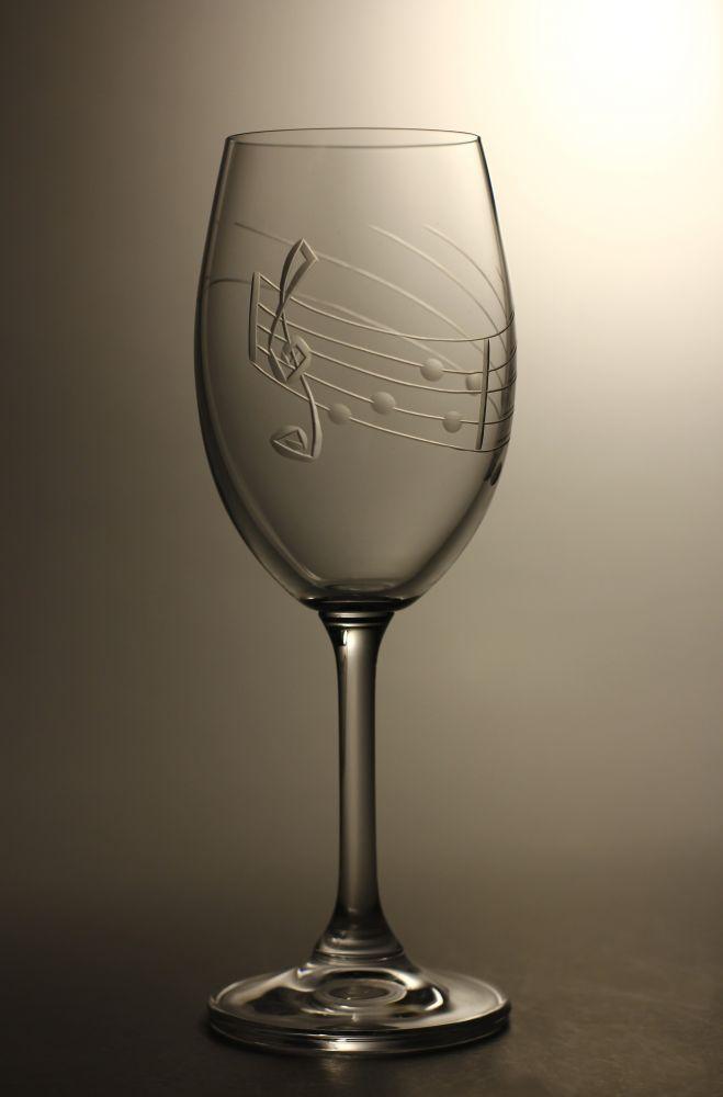 sklenice na víno 1ks Lara 250ml,sklenička s rytinou not, dárek pro muzikanty