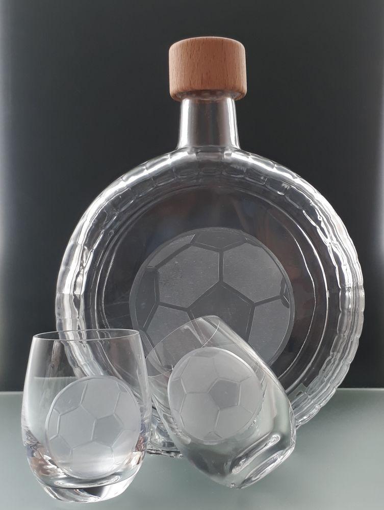 lahev na slivovici 0,7l +2ks likér s rytinou fotbalového míče , dárek pro fotbalistu