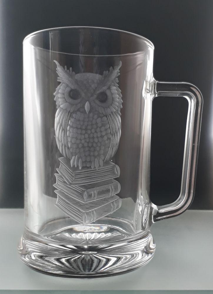 půllitr se sovou, symbolem moudrosti, vhodný dárek pro učitele
