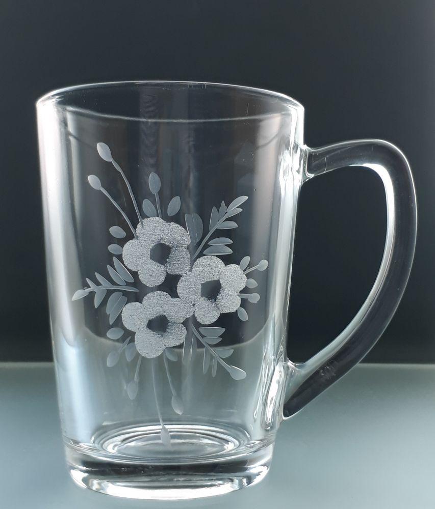 hrníček na čaj nebo kávu 1 ks s rytinou květů, možnost jména na přání