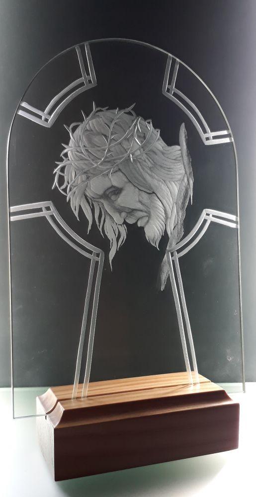 skleněný obrázek kříže s Ježíšem