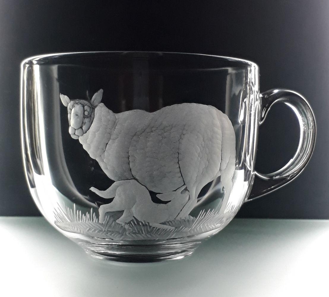 hrnek skleněný na čaj 400ml s rytinou oveček, možnost jméno na přání
