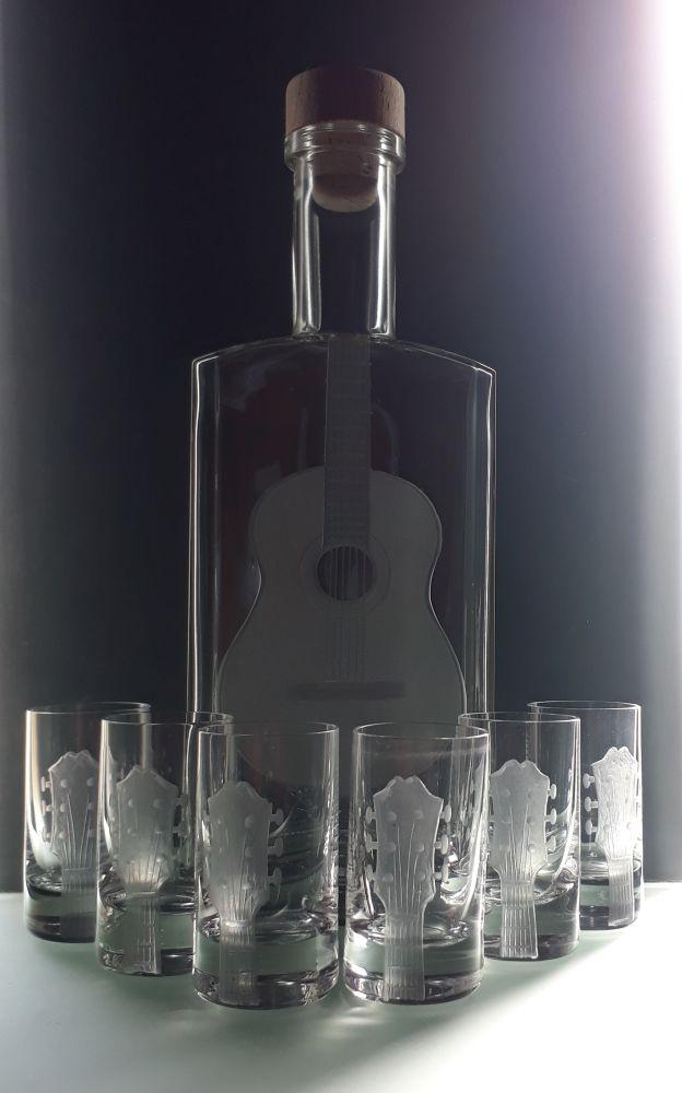 lahev na kořalku 0,5l s rytinou španělské kytary +6ks likér , možnost jména na přání