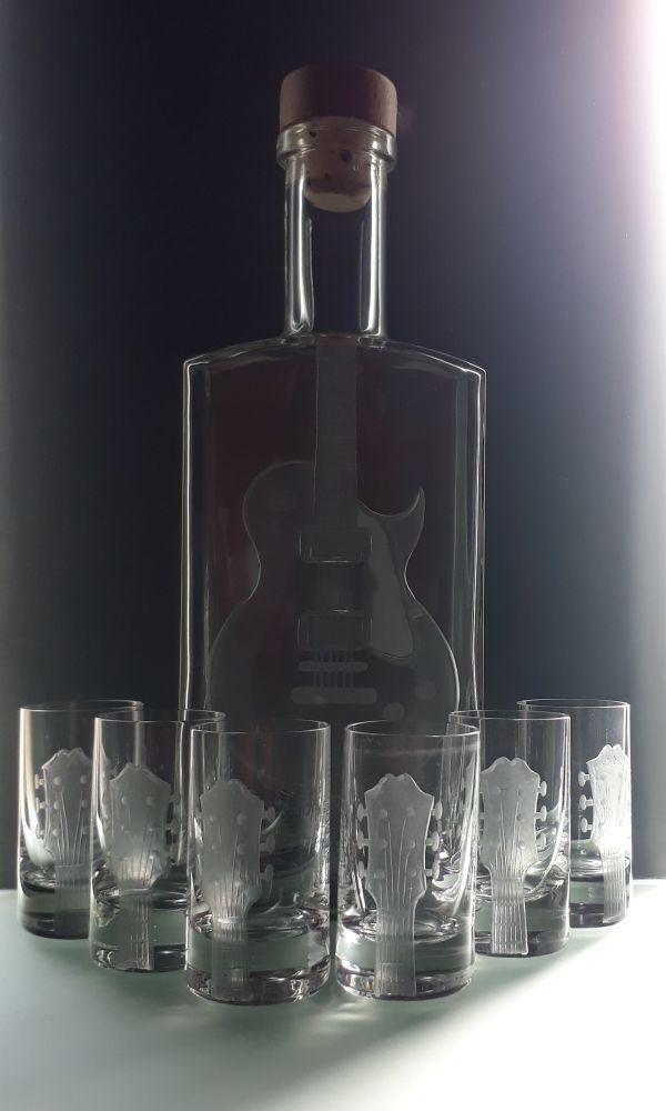 lahev na kořalku 0,5l s rytinou el. kytary Les Paul +6ks likér, možnost jména i textu na přání