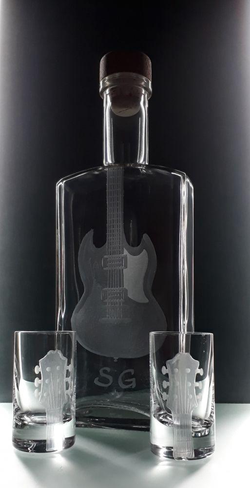 lahev na kořalku 0,5l s rytinou el. kytary SG +6ks likér, možnost jména i textu na přání