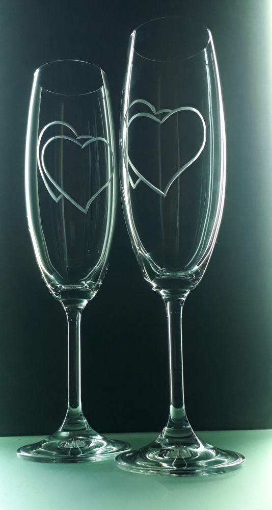 sklenice 2ks na sekt 220ml se srdcem , možnost jména na přání , dárek z lásky k Valentýnu