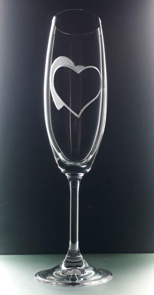 sklenice 2 ks na sekt 220ml se srdcem , možnost jména na přání , dárek z lásky