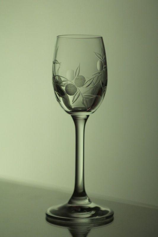 skleničky na likér nebo slivovici 6ks Lara 65 ml,sklenice ručně ryté (broušené) motiv bobule