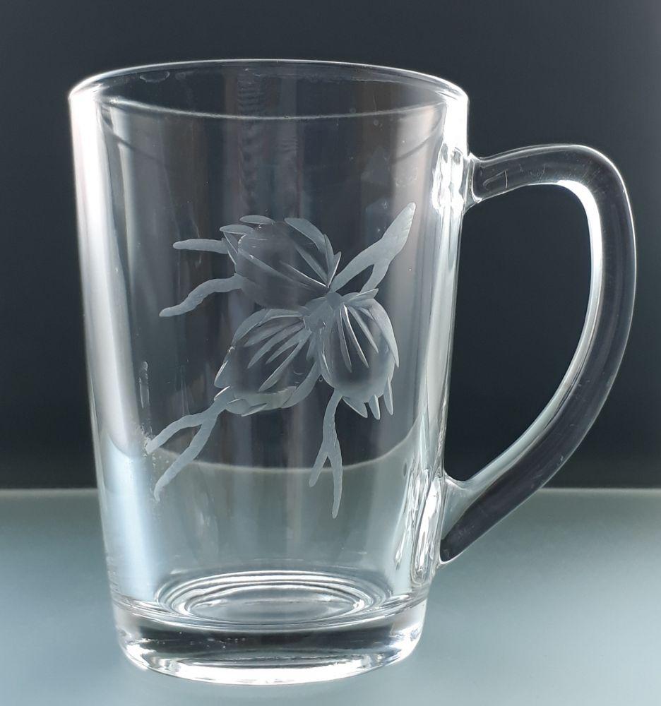 hrníček na čaj nebo kávu 1 ks, ručně rytý (broušený) motiv tři oříšky