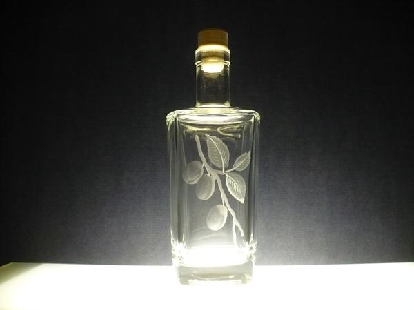 lahev na slivovici (pálenku) 0,5l se švestkami (na přání i jiného ovoce ), dárek pro muže