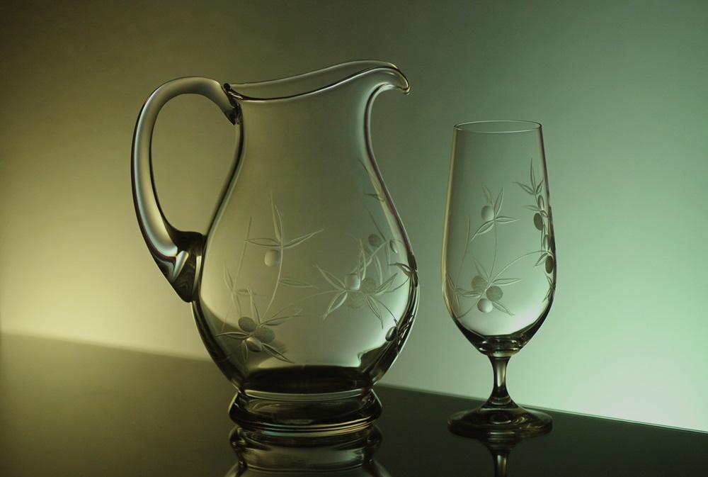 džbán 1,5l + sklenice 6 ks Klara 380 ml na pivo, ručně ryté (broušené) motiv bobule,dárek pro chlapa