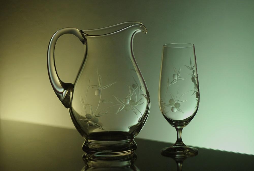 džbán 1,5l + sklenice 2 ks Klara 380 ml na pivo, ručně ryté (broušené) motiv bobule, dárek pro muže