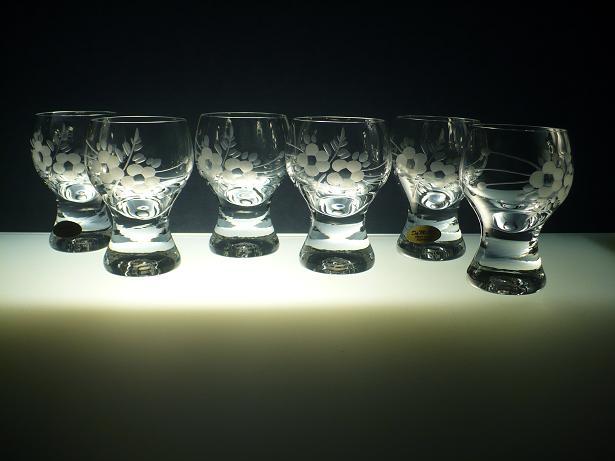 skleničky na likér nebo slivovici 6ks Gina 60 ml,sklenice ručně ryté (broušené) motiv květ, dárek pro ženu i muže