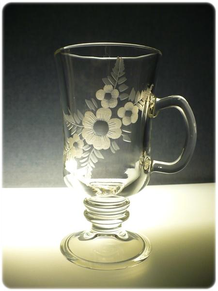 sklenice na kávu nebo latte 1ks venezia, ručně rytá (broušená), motiv květy