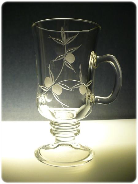 sklenice na kávu nebo latte 1ks, Venezia, ručně rytá (broušená), motiv bobule
