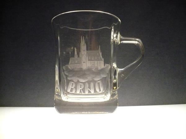 hrníček na kávu nebo čaj 200ml , ručně rytý (broušený) motiv Brno (Petrov)