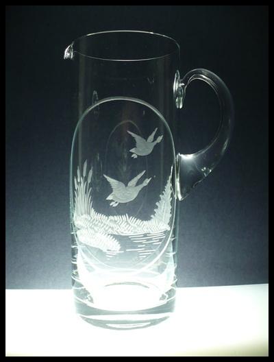 džbán 1,5l myslivost,ručně rytý (broušený) motiv kačky,dárek pro myslivce