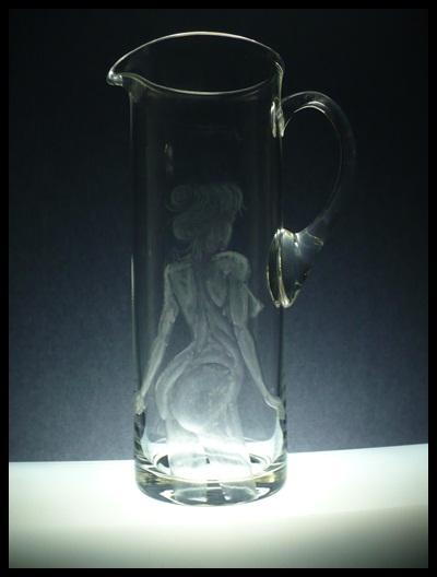 džbán na pivo 1,5l, ručně rytý (broušený) motiv akt,luxusní dárek pro muže