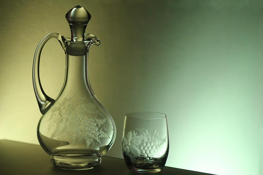 karafa na víno 750ml+ skleničky na víno 6ks Club 300ml, ručně ryté (broušené), motiv vinný hrozen