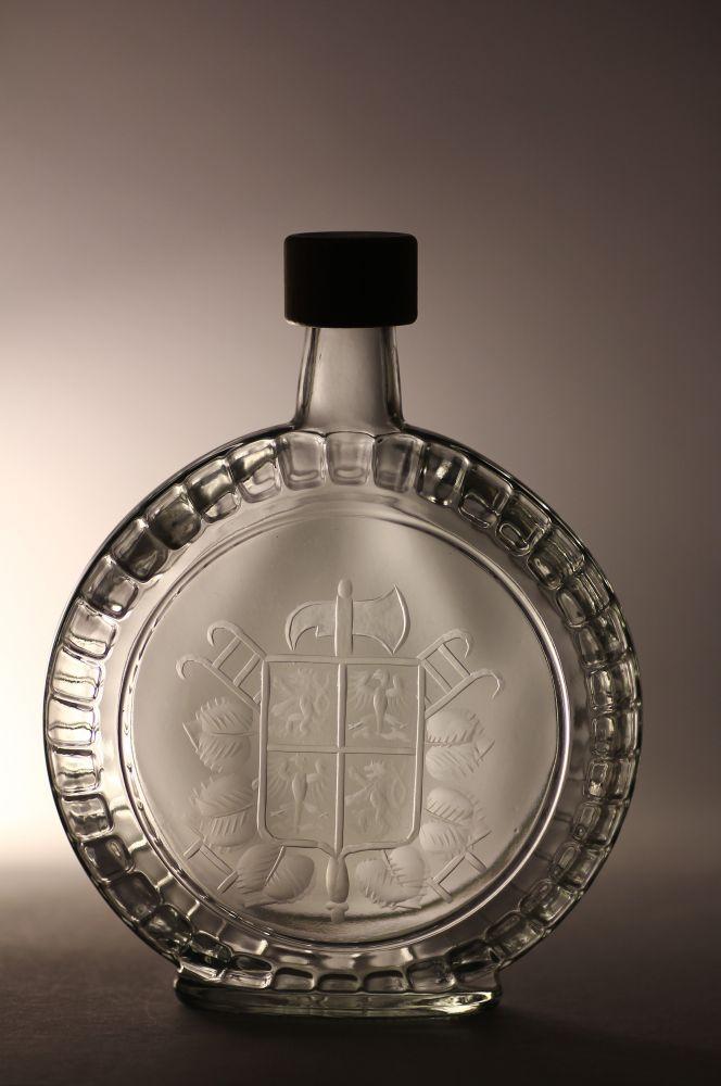 lahev na slivovici (pálenku) 0,7l s rytinou hasického znaku, dárek pro hasiče