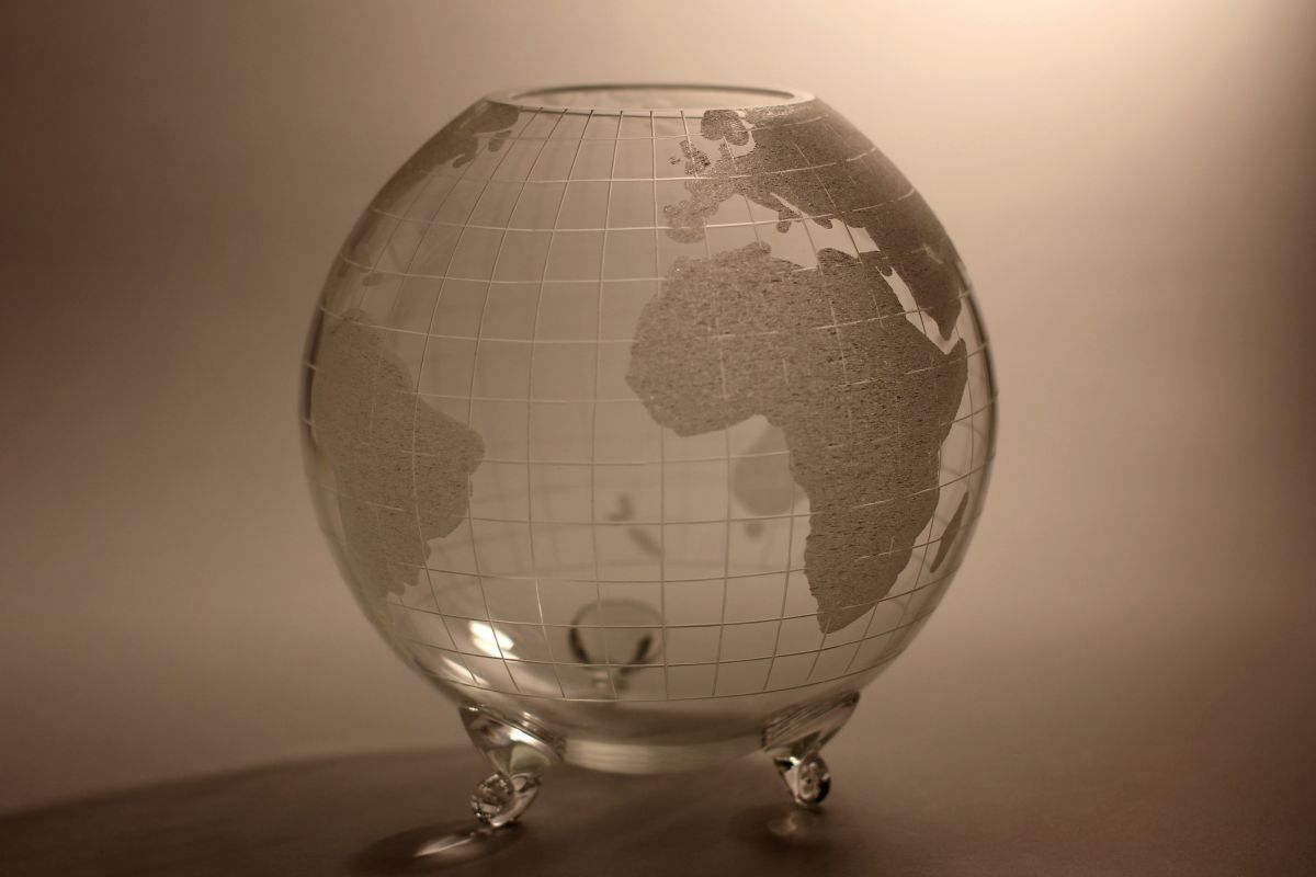 křišťálový glóbus průměr 21cm, dárkové sklo i křišťálový sportovní pohár (trofej)