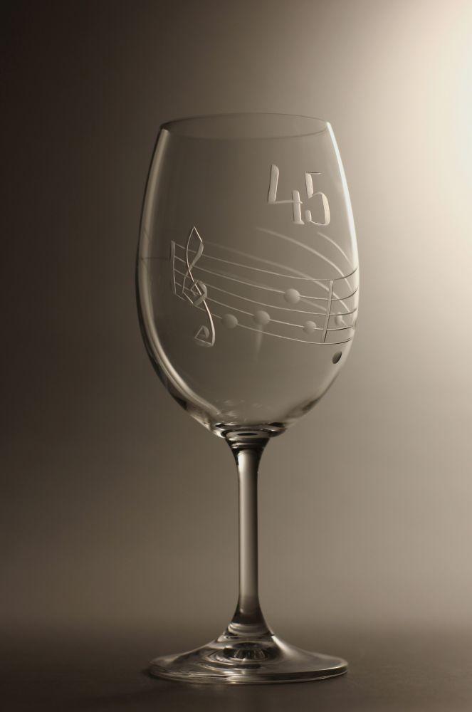 sklenice k výročí (jubileu) motiv noty, dárek k 45 narozeninám,dárkové balení