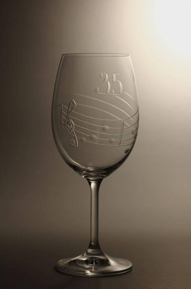 sklenice k výročí (jugileu),motiv noty, dárek k 35 narozeninám