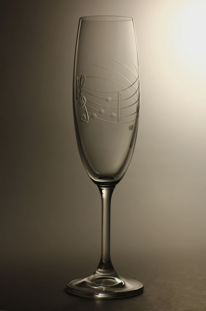 skleničky na sekt 2ks Lara 220ml,sklenice s rytinou not, dárek pro muzikanty