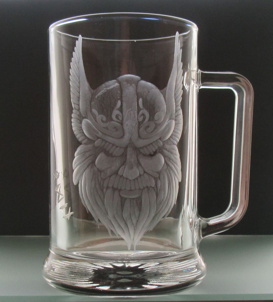 Půllitr s rytinou Odina - severský vikngský bůh