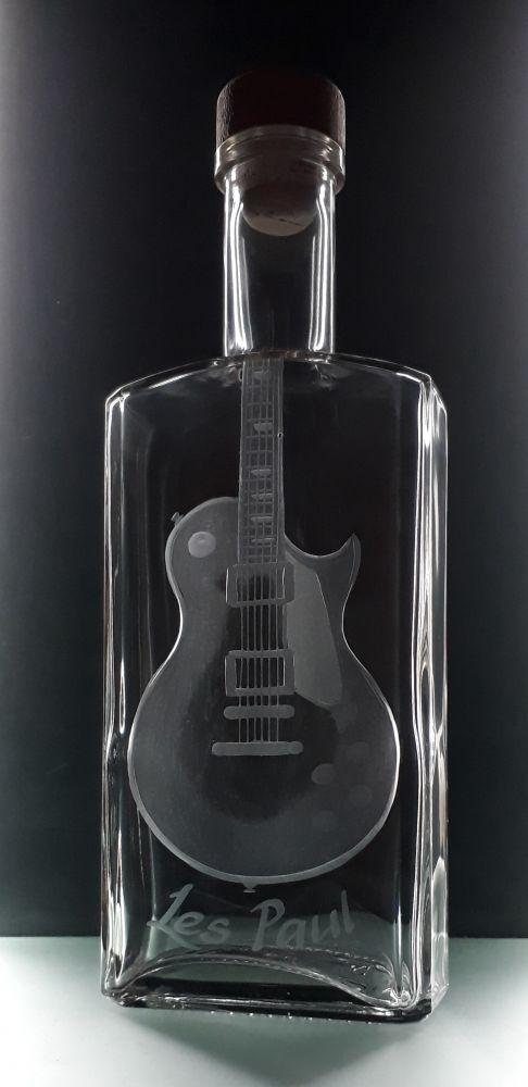 lahev na kořalku 0,5l s rytinou el. kytary Les Paul, možnost jména i textu na přání