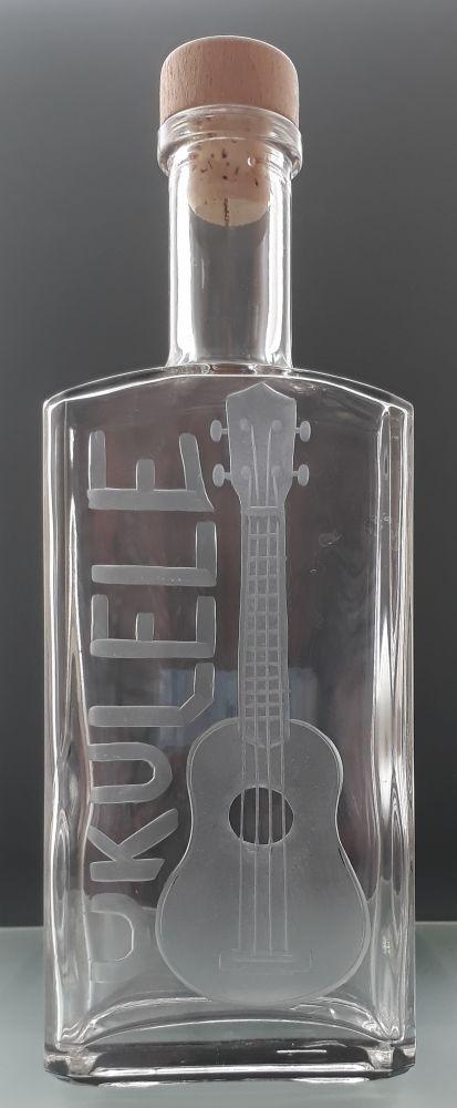lahev na kořalku 0,5l s rytinou ukulele , možnost jména na přání