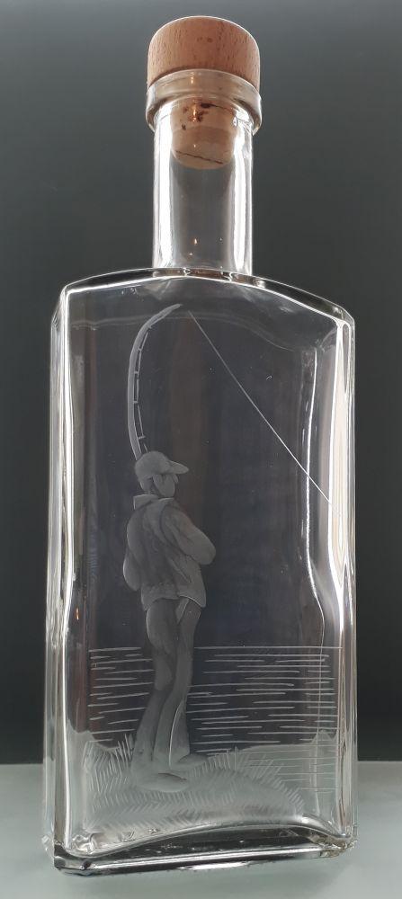 lahev na slivovici (pálenku) 0,5l s rytinou rybáře, dárek pro rybáře
