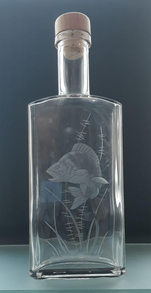 lahev na slivovici (pálenku) 0,5l s rytinou okouna, dárek pro rybáře
