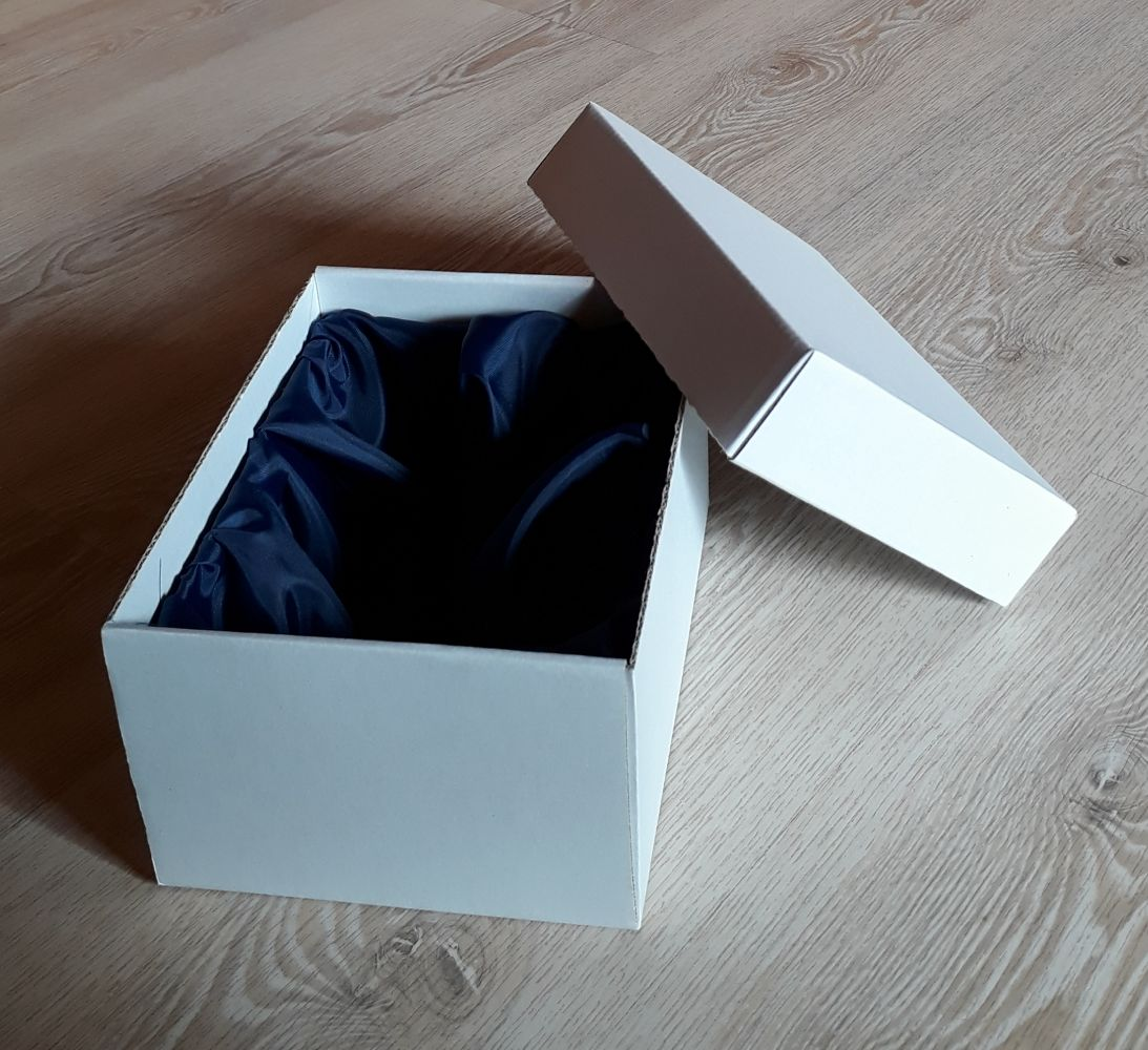 Dárková krabice pro půllitr s uchem
