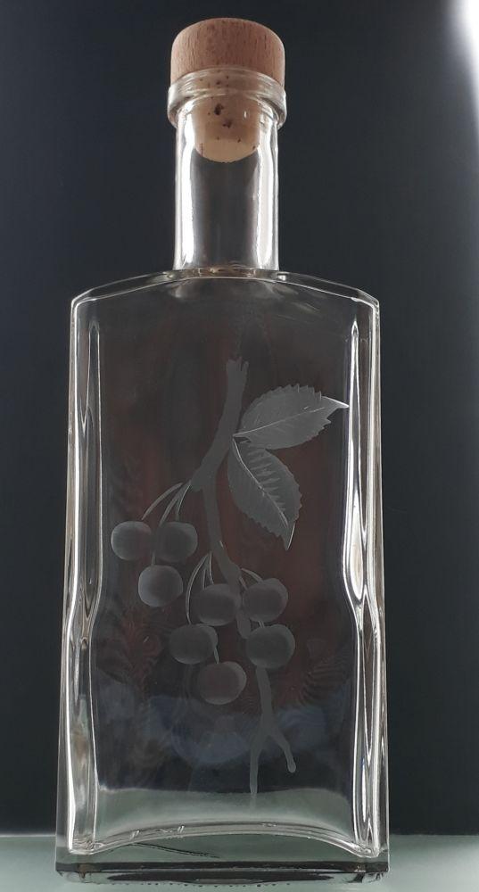 lahev na třešňovici (pálenku) 0,5l s rytinou třešní , dárek pro muže