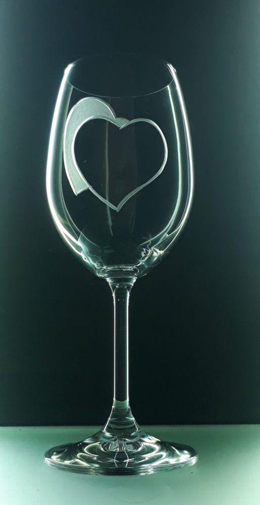 sklenice 1ks na víno 350ml se srdcem , možnost jména na přání , dárek z lásky k Valentýnu