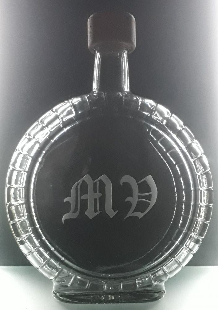 lahev na slivovici (pálenku) 0,7l s rytinou monogramu na přání (švabach)