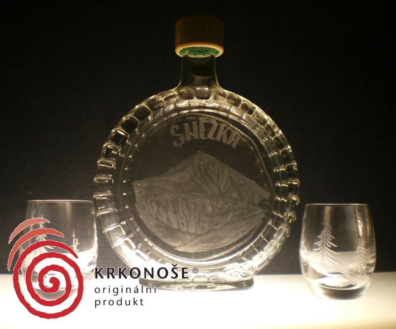 lahev na slivovici (pálenku) 0,7l + 2ks likér s rytinou Sněžky, dárek pro kamaráda