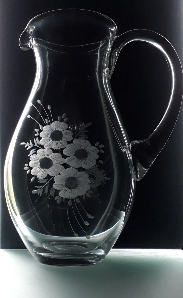 džbán 1,5l s rytinou květin, dárek pro ženu