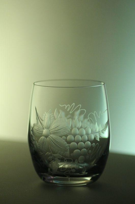 skleničky na víno 6ks Club 300ml,sklenice ručně ryté (broušené) motiv vinný hrozen,vhodný dárek k narozeninám